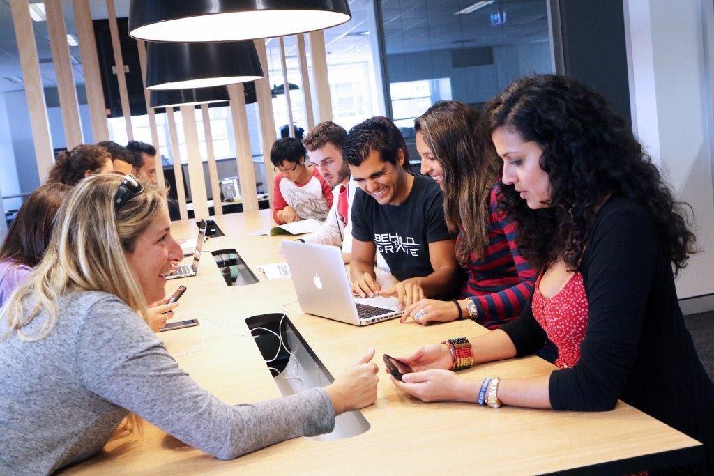 Estudiantes de ILSC Sydney durante clases. (Cortesía de ILSC)