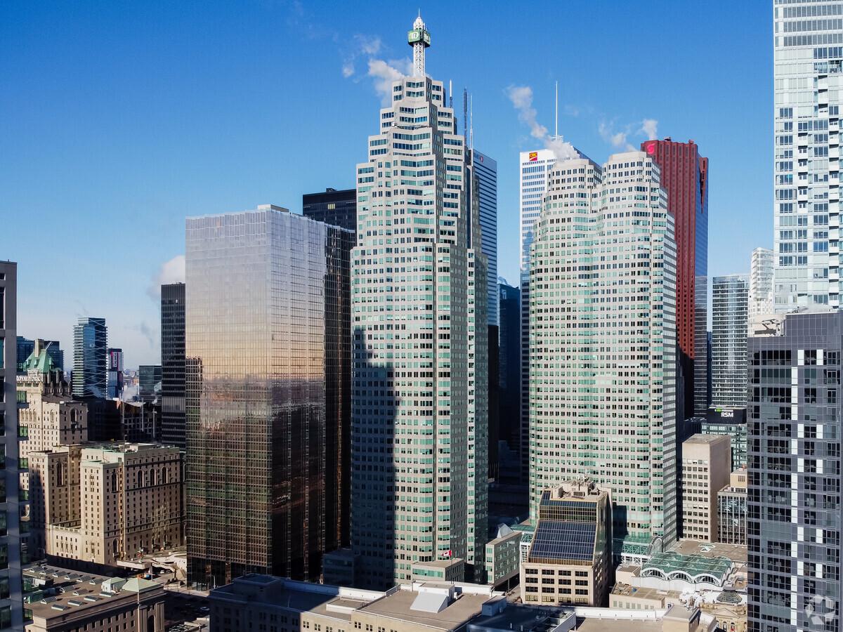 Edificio TD Canada Trust. Toronto, Ontario. (Cortesía de Loopnet)