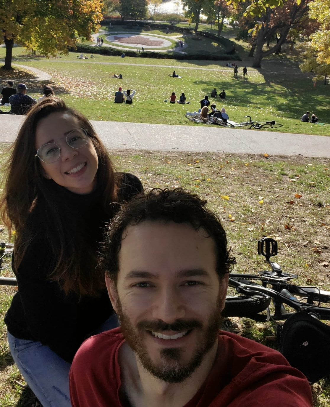 Natalia Ruiz y Carlos Cardona en High Park. Toronto, Ontario.